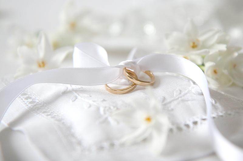 結婚するときにはぜひ欲しい!リングピローって?