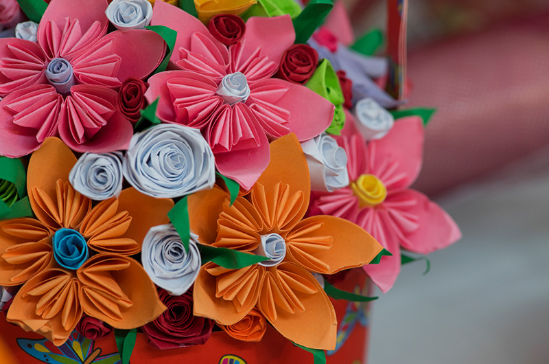 お祝いやイベントごとに!折り紙で作る花束の作り方について