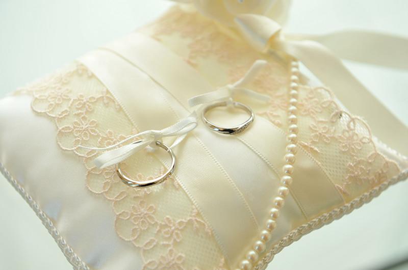 結婚式に使えるリングピローを手作りする方法について
